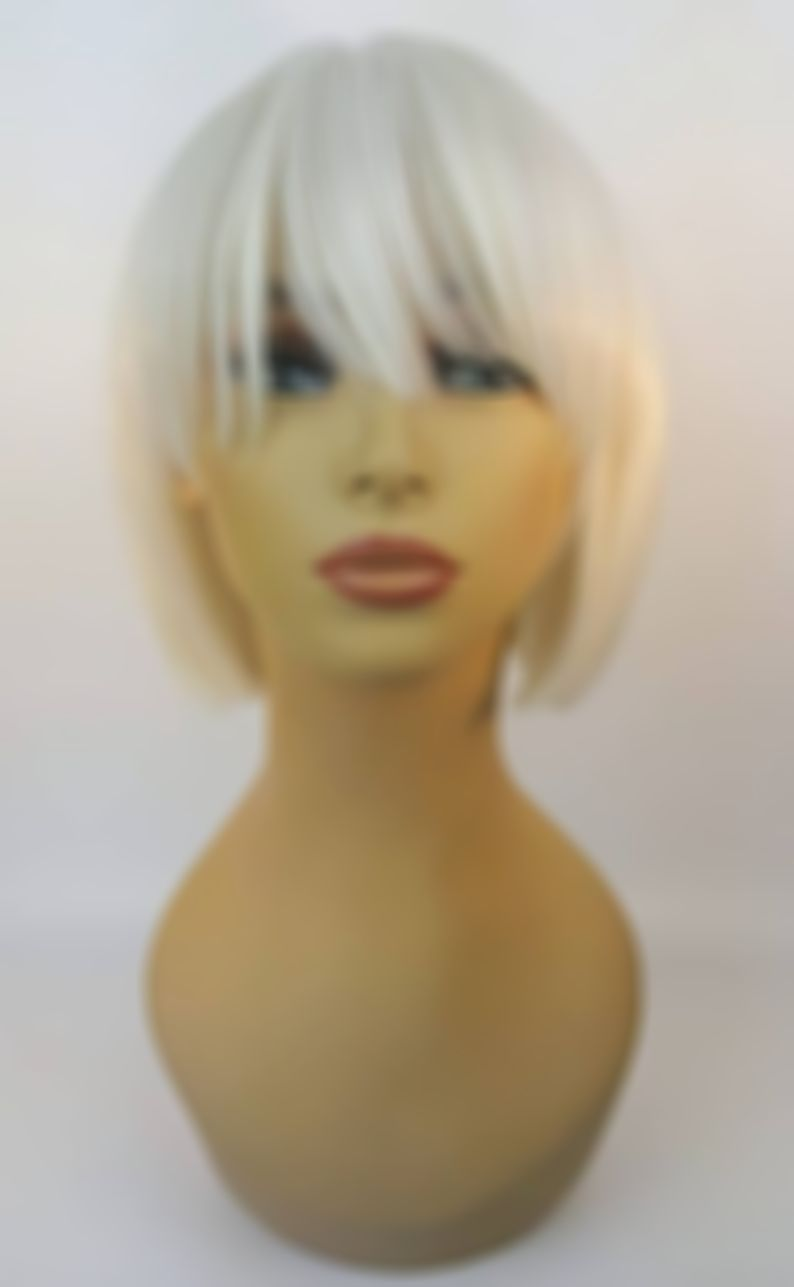 2020 Fashion Blonde Wigs For White Women Black And Blonde Lace Front Wigs Taylor Swift Bleached Hair Real Blonde Hair Short Blonde Hair With Bangs Natural Blond Lace Frontal Wigs