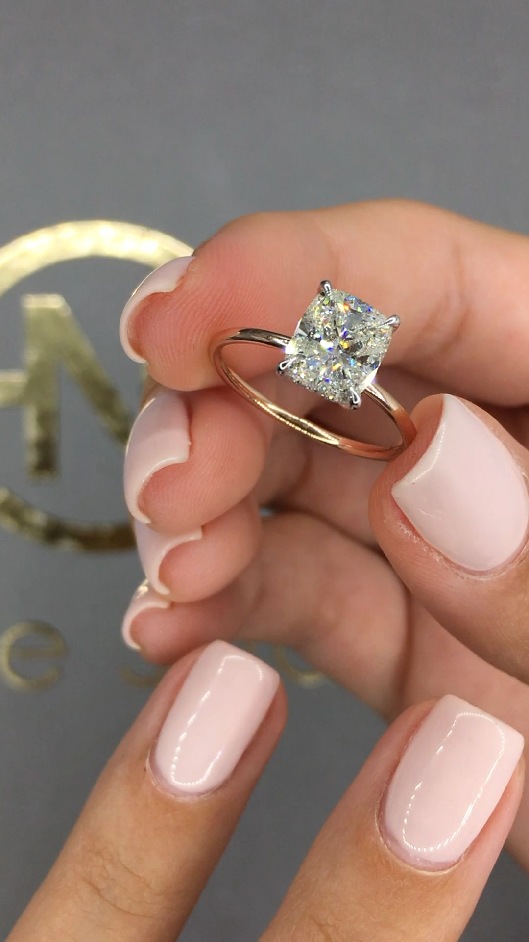 2020 New Rings For Women Trendy Gold Chains Rose Gold Pear Shaped Ring Tiara Engagement Ring Backdrop Necklace