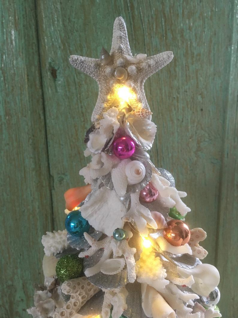 Hand-Made Coastal Coral Skin Shells Lit Up The Christmas Tree With Decorations