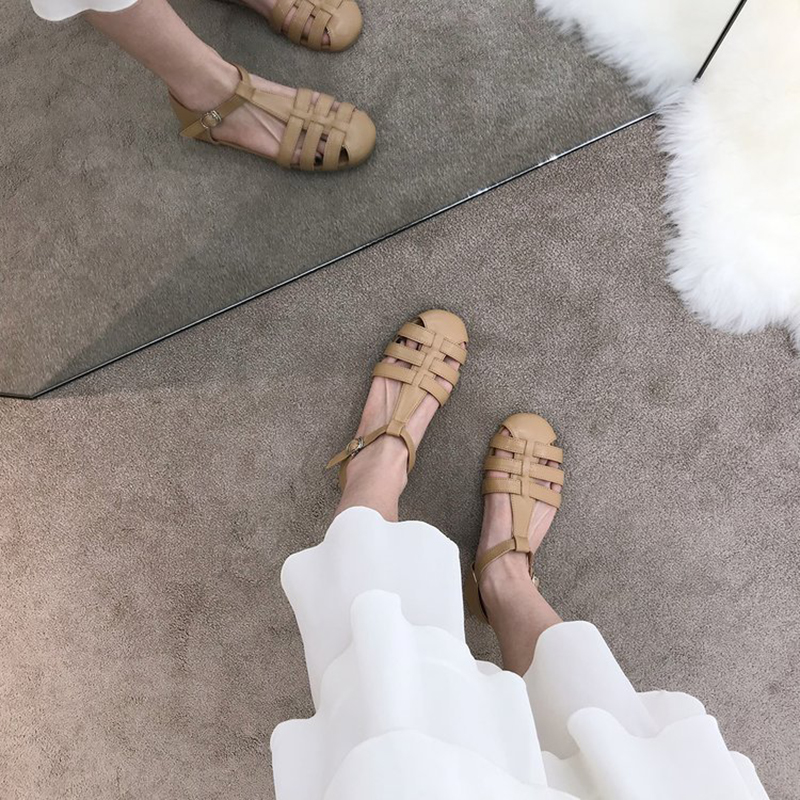 2021 summer new style flat sandals with one word