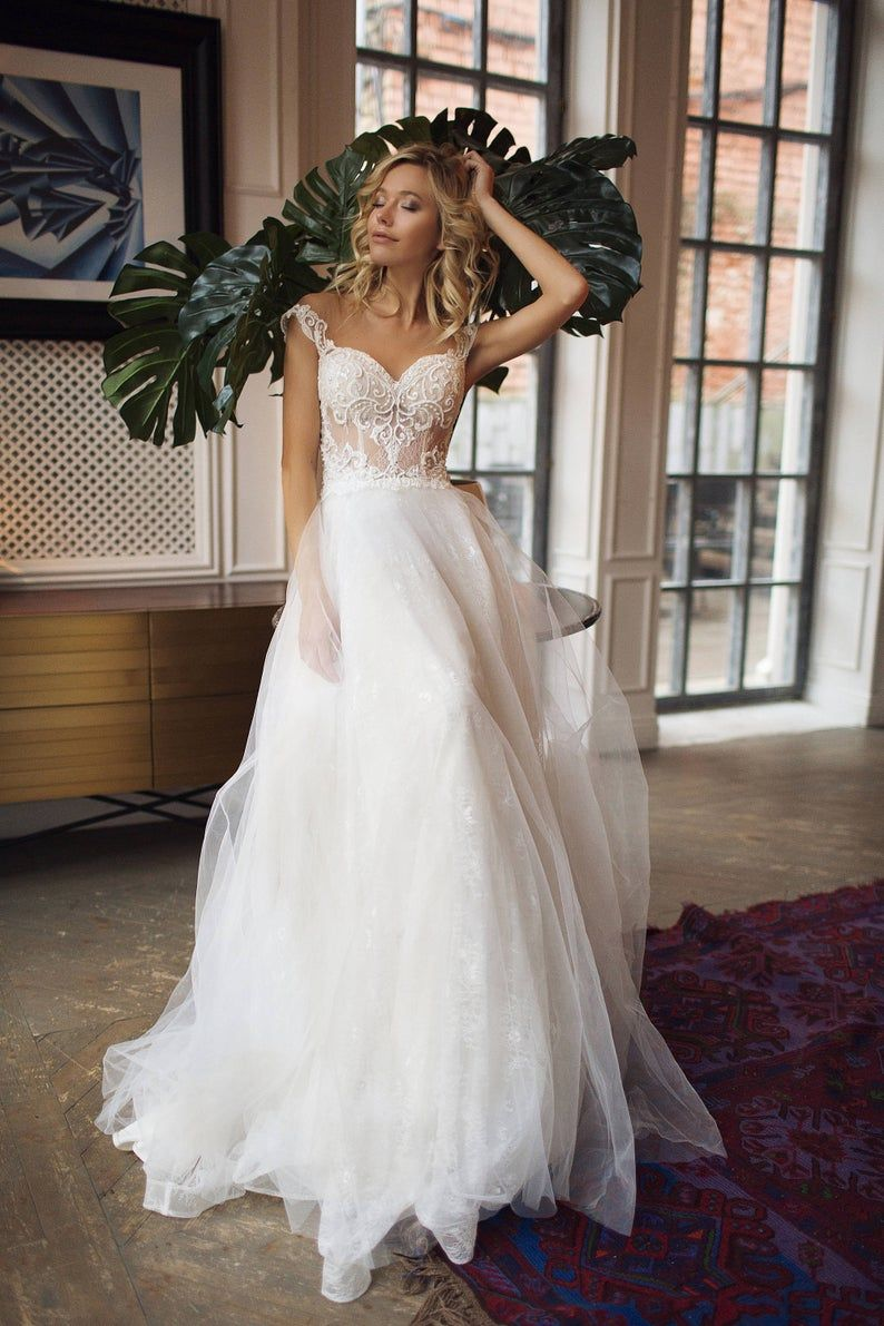 Lace Wedding Dresses 2020 New 715 White Floral Bridesmaid Dress Long Prom Dresses Heavy Gown For Wedding Idris Elba Wedding Wedding Guest Outfits For Women Trendy Wedding Dresses