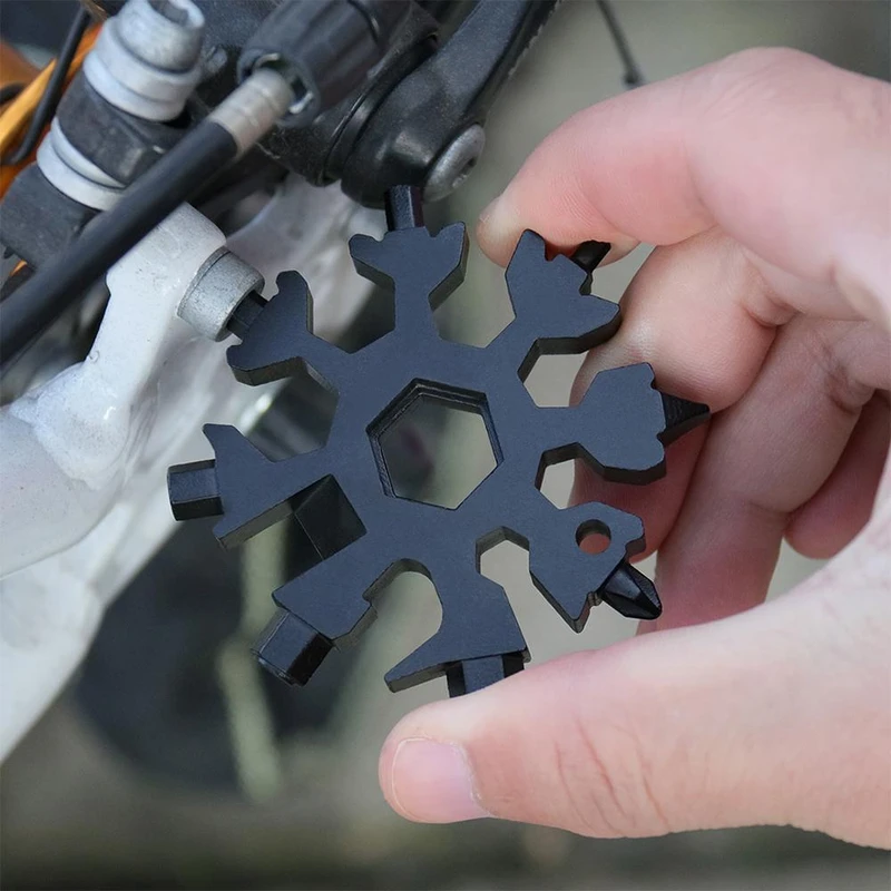 18-in-1 multifunctional snowflake tool