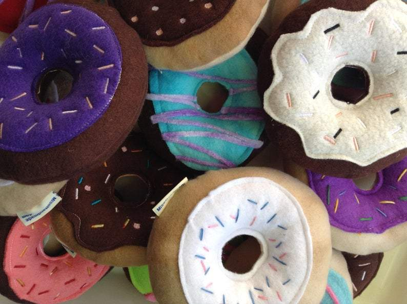 Squeaky Dog Donuts | Dog Toys | Donuts Set of 2 | New Dog Gift | Squeaky Toy | Puppy Toy | Squeaky Dog Toy | Gift for Puppy  |  Donut Toys