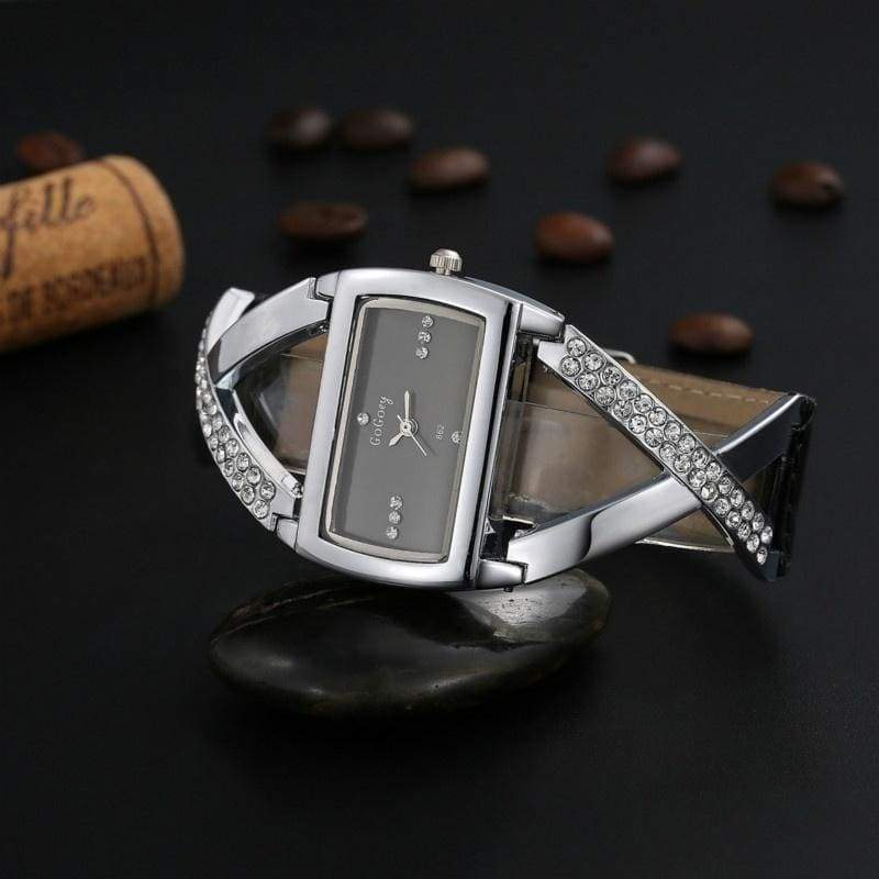 Fashion Luxury Crystal Watches for Women Exquisite Hollow Quartz Watches Wristwatch Charm Bracelets for Gifts Timer Clock