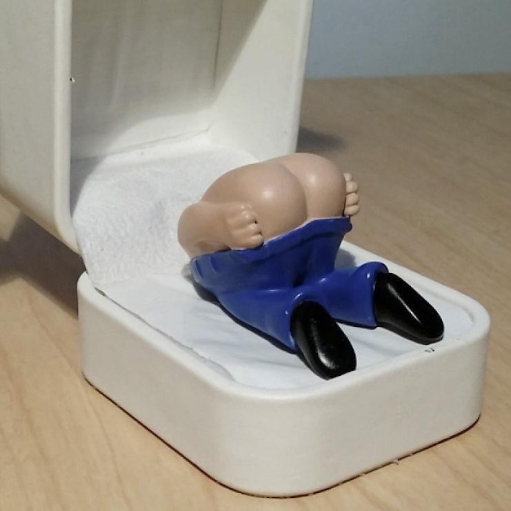 Father's Day Gag Gift-Farting Butt in Ring Box