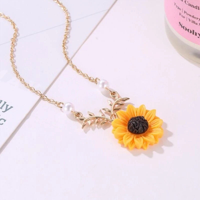 Sunflower & Pearl Necklace
