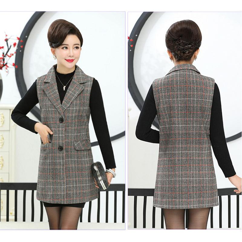 Classic plaid-styled sleeveless lady coat