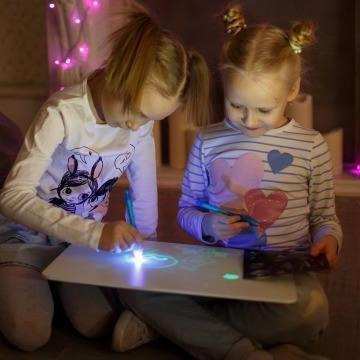 (Hot selling 50,00 items)Draw With Light-Fun And Developing Toy