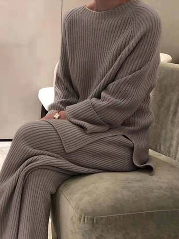 Fashion knitted striped suit